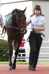 フェアウェザー(山崎裕也厩舎)と松本美寿厩務員