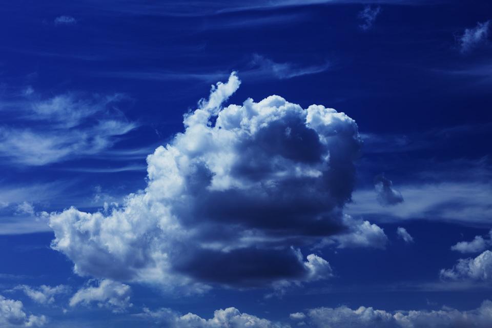 異形のものたちが見せる空の奥行き #2