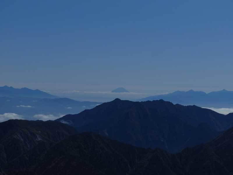 雄山山超量より富士山を望む