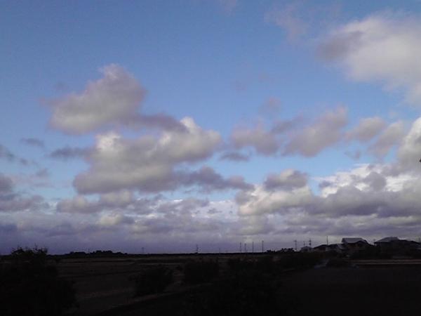 10月4日の空 風が強い日
