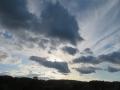 千切れ雲とぶ