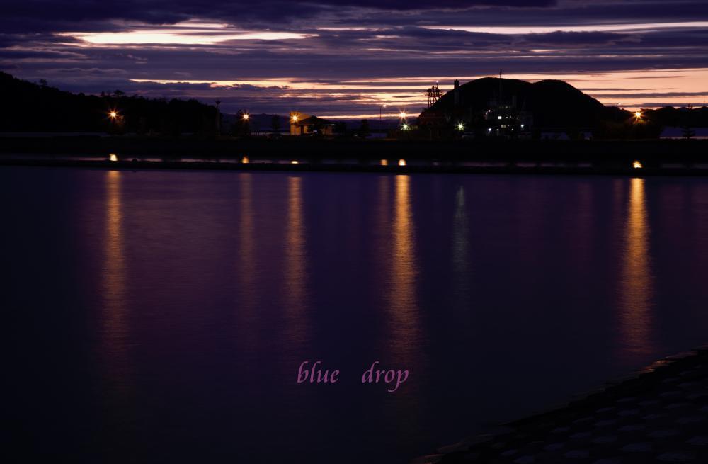 夕暮れ色の空と海