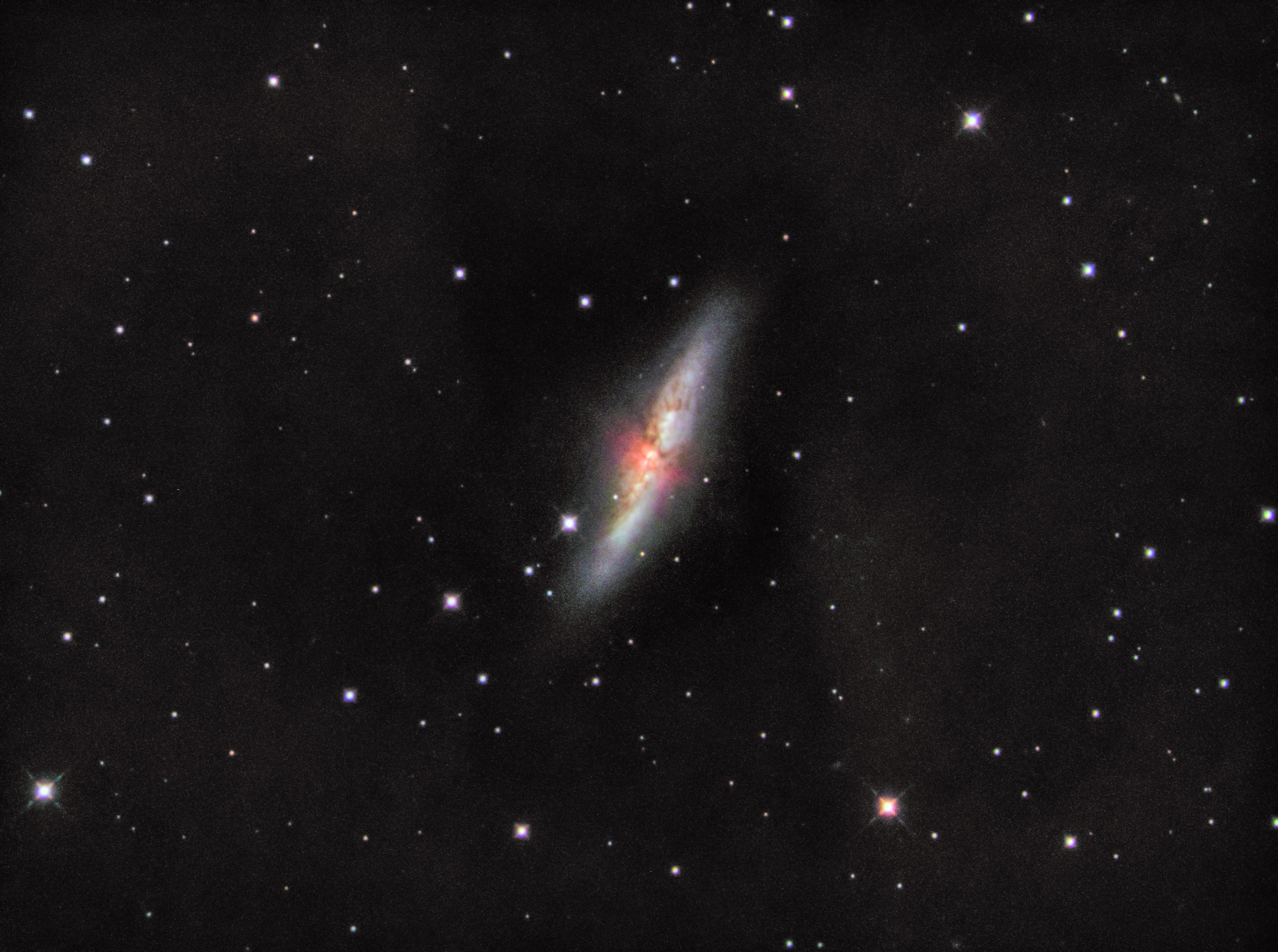 M82 C11 1600MM2 gain139 120s LRGB(Ha) (2)