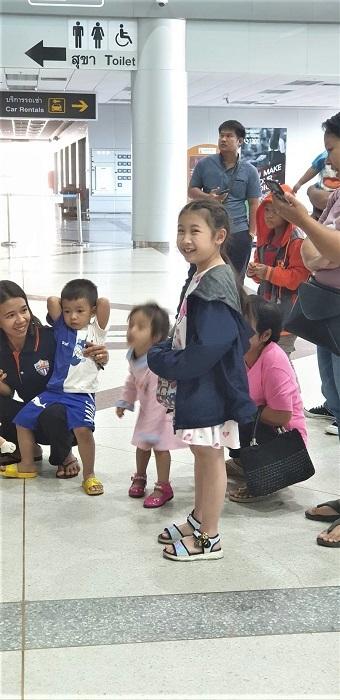 Arrival at Ubon airport (4)