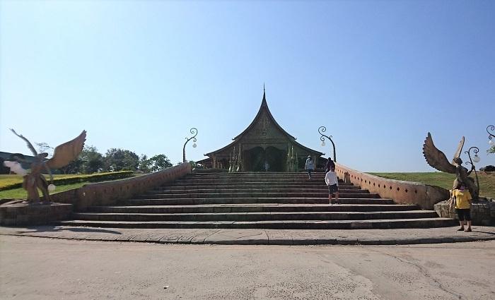Wat Sirindhorn (3)