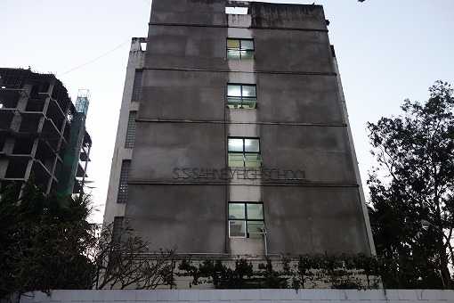 コチラの建物