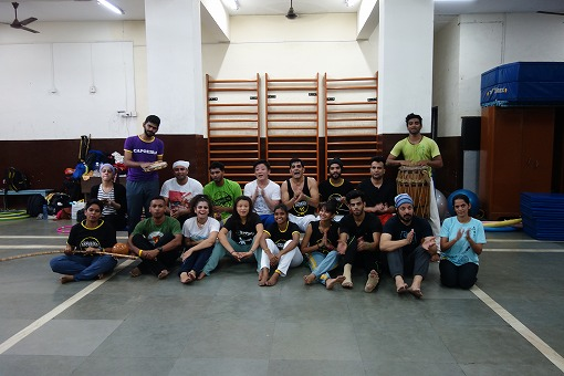 Centre For Capoeira India Axe!