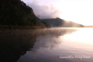 本栖湖早朝ダイビング本栖湖夜明け (2)