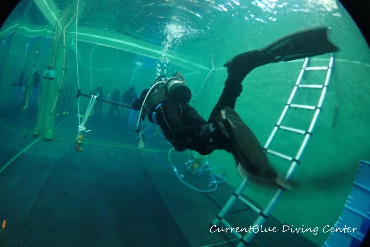 ダイビングスキル・プールで練習