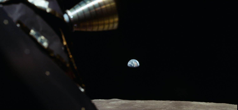 『アポロ11号[完全版]』月から見た地球