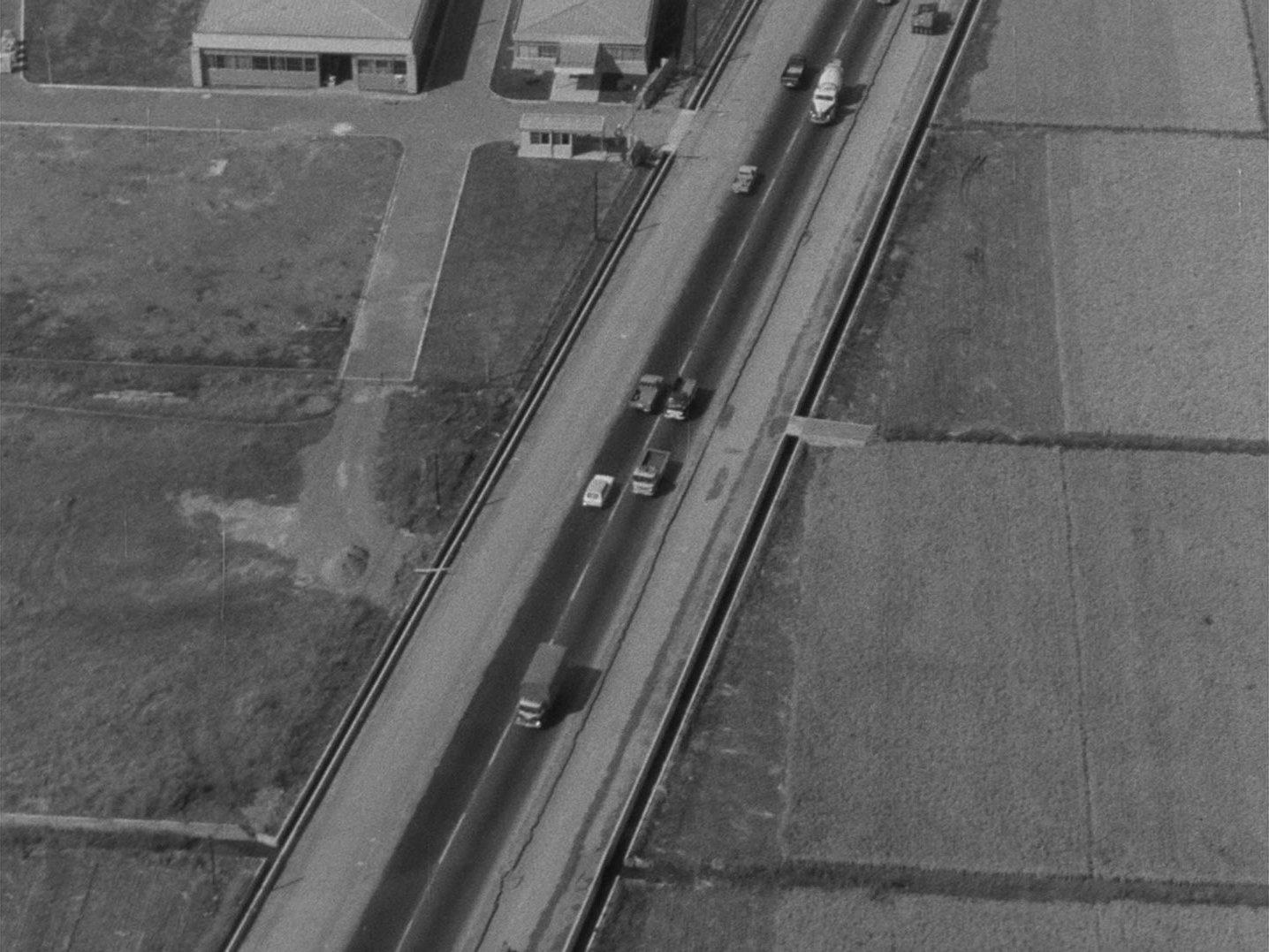 」『ウルトラQ』第16話 1965年の国道風景