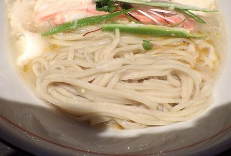 麺と心 7 ~秋を彩る~ 蟹白湯らーめん(麺のアップ)