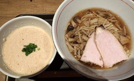 麺と心 7 鮭白湯と3種のキノコの和えつけ麺
