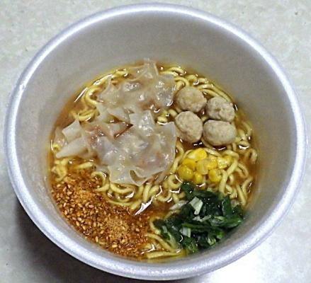 1/6発売 (コンビニ限定)超スーパーカップ1.5倍 胡麻香る味噌ワンタン麺(できあがり)