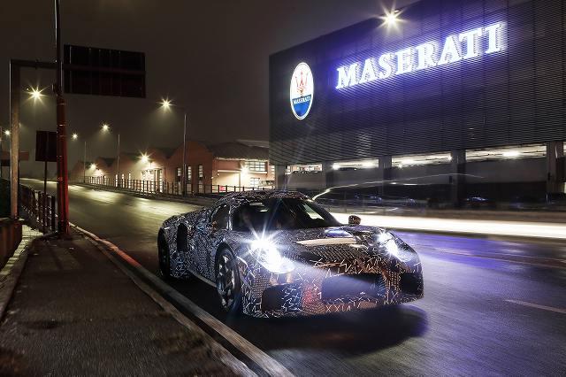 16309-MaseratinewmuleModena.jpg