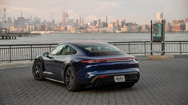 taycan_turbo_new_york_2019_porsche (1)