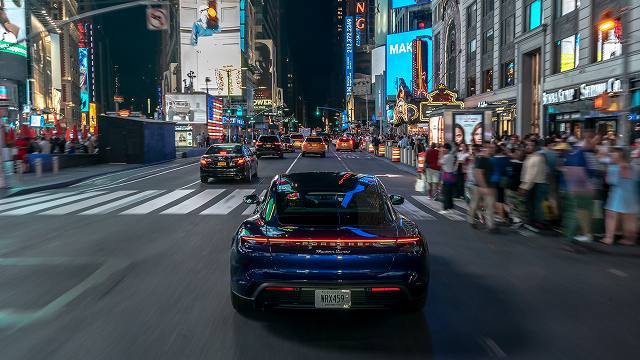 taycan_turbo_new_york_2019_porsche (5)