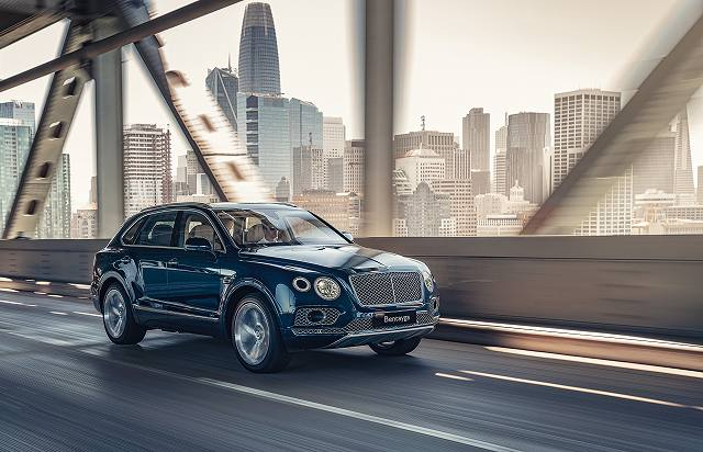 Bentley Bentayga Hybrid-49 (1)