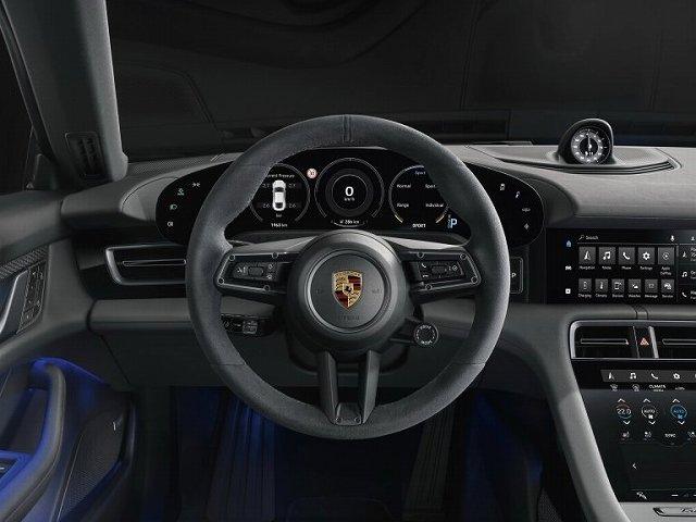 Porsche-Taycan-4S- (3)