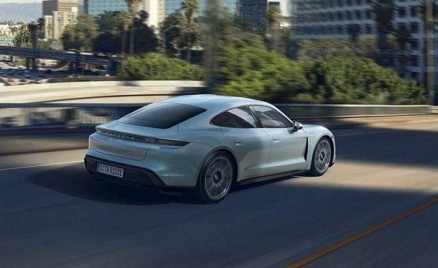 Porsche-Taycan-4S- (2)