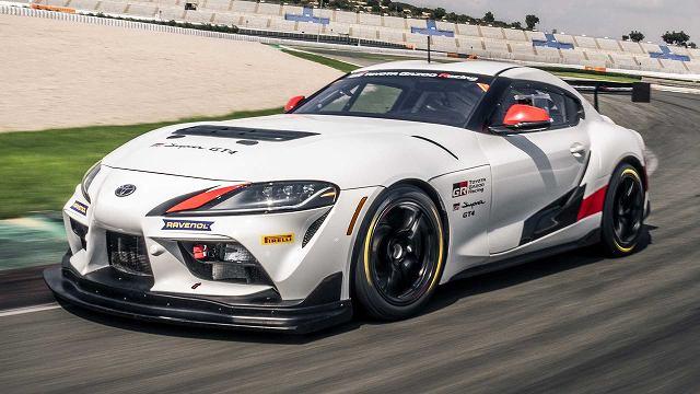 トヨタスープラGT4レースカー4 (1)