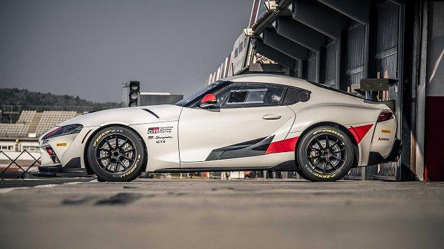 トヨタスープラGT4レースカー4 (4)