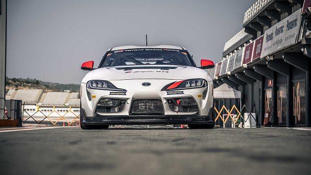 トヨタスープラGT4レースカー4 (3)