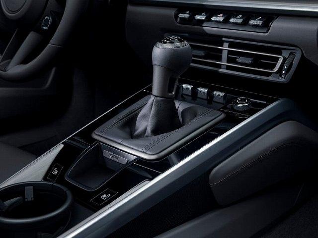 2020-porsche-911-carrera-s-4s-manual-transmission47 (2)