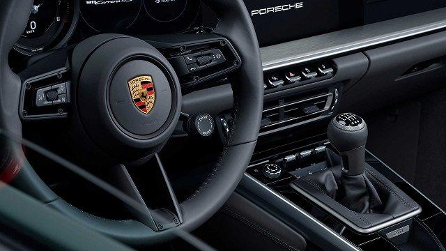 2020-porsche-911-carrera-s-4s-manual-transmission47 (1)