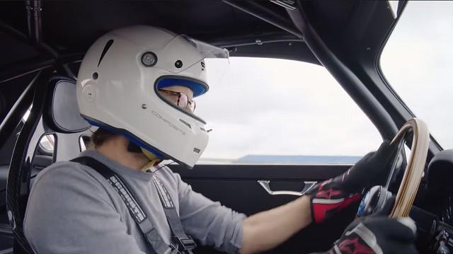 Aston Martin DB4 GT Zagato Continuation8 (1)