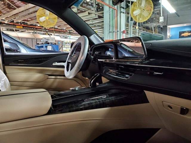 Cadillac-Escalade888 (1)