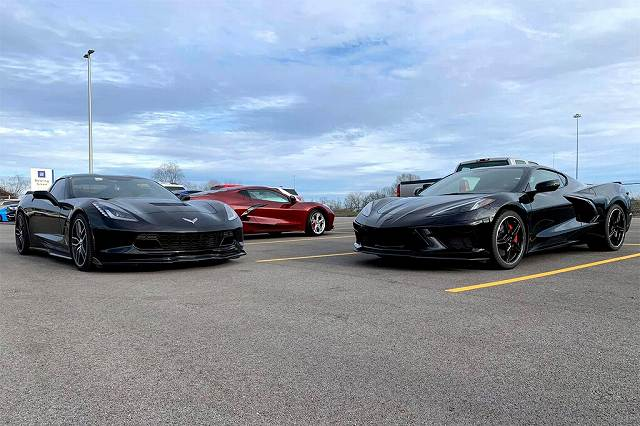 2020-Chevrolet-Corvette-C8987 (2)