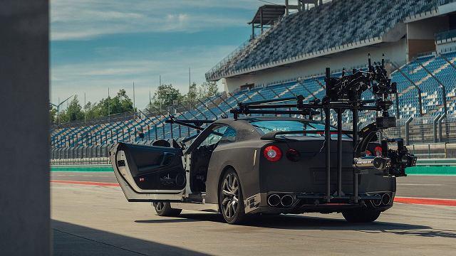Nissan-GT-R-Camera-Car-GODZILLA (4)