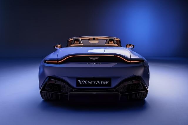 Vantage_Roadster_8456-jpg (1)