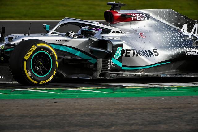 Mercedes-AMG F1 W11 EQ Performance44 (5)