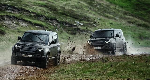 Land-Rover-Defender-stunts-No-Time-To-Die-007 (2)