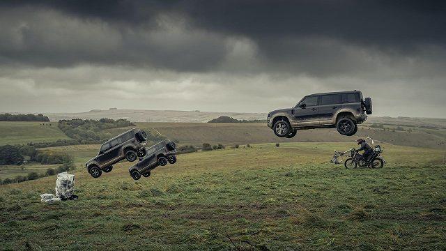 Land-Rover-Defender-stunts-No-Time-To-Die-007 (4)