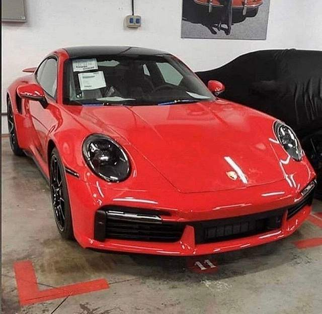 2020-Porsche-911-Turbo-S (3)