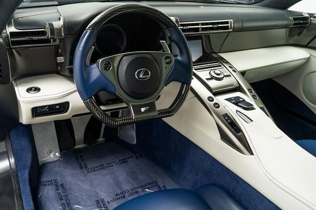 Lexus_LFA_Paris_Hilton15 (6)
