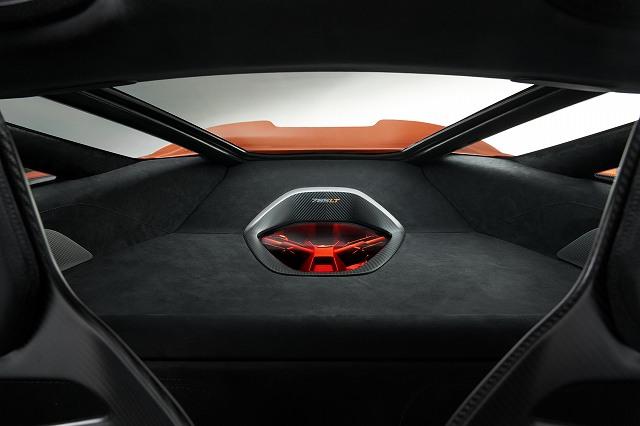 McLaren765LT-18 (6)