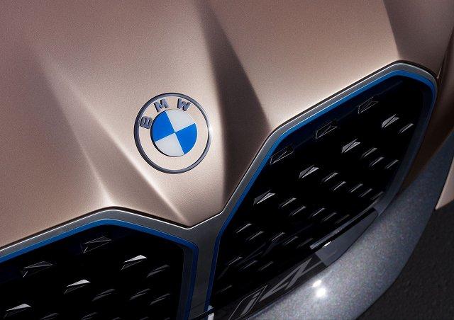 BMW-i4コンセプト (1)