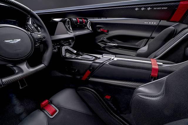 Aston_Martin_V12_Speedster_5-jpg (1)