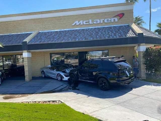 McLaren720sCrash97847 (4)