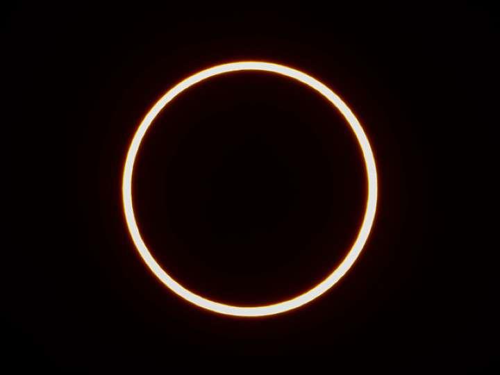 BBYlQB3金環日食