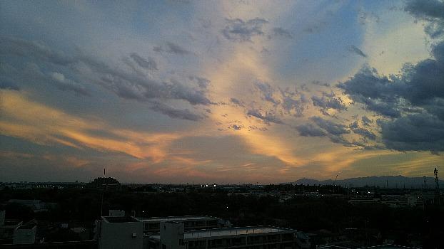 あやしの雲