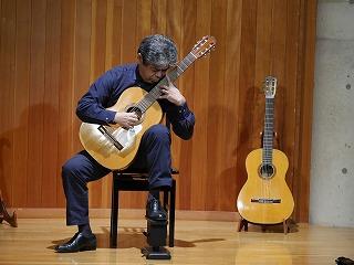マルセロバルベロを弾く
