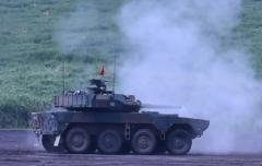 22タイヤ付きの戦車?