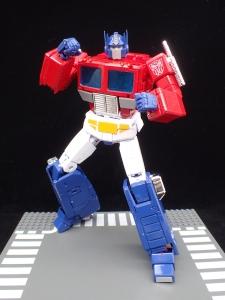 トランスフォーマー マスターピース MP-44 コンボイ Ver3 ロボットモード (44)