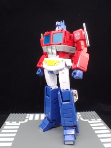 トランスフォーマー マスターピース MP-44 コンボイ Ver3 ロボットモード (74)