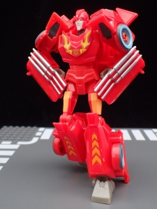 Transformers Bumblebee Cyberverse Adventures Deluxe Class Hot Rod (21)